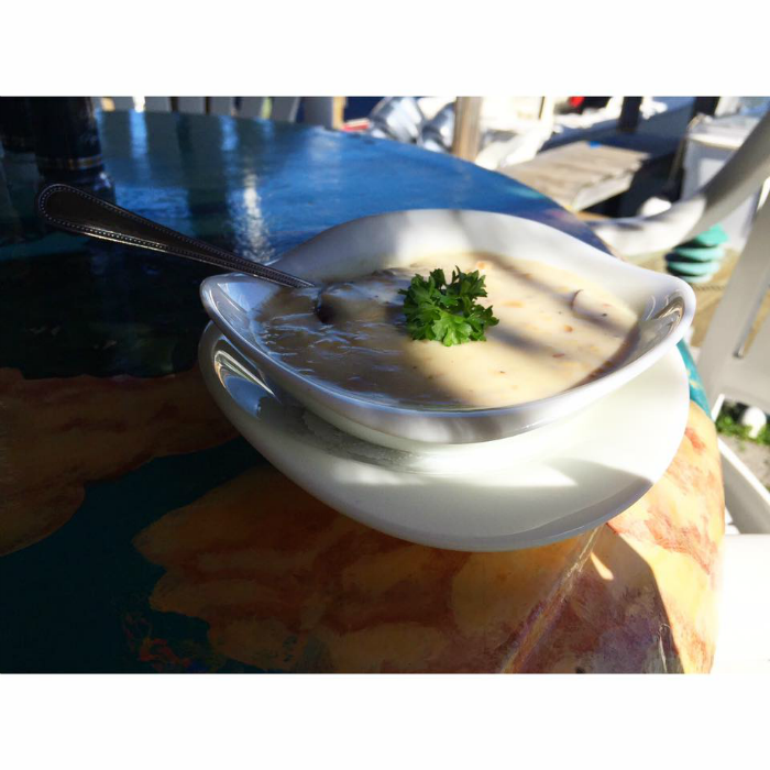 AWARD WINNING NEW ENGLAND CLAM CHOWDER