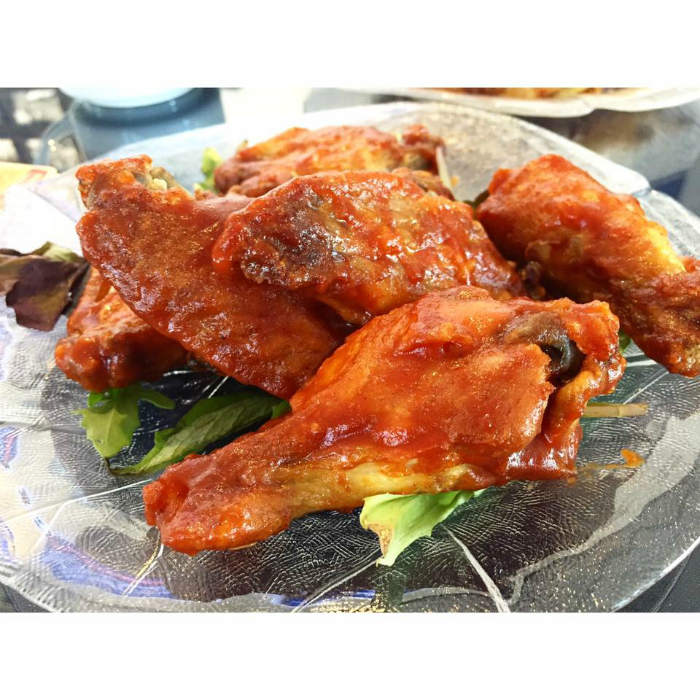 NATURAL AND FRESH CHICKEN WINGS